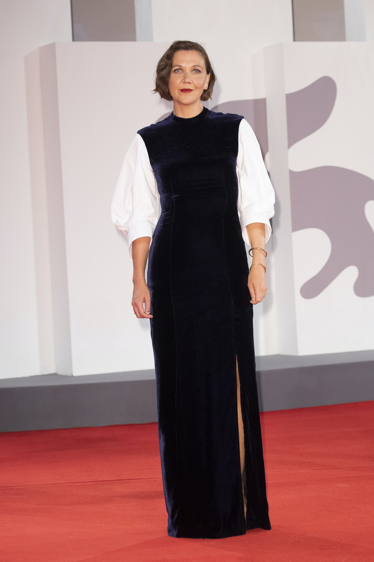 """VENICE, ITALY - SEPTEMBER 03: Maggie Gyllenhaal attends the red carpet of the movie """"The Lost Daught..."""