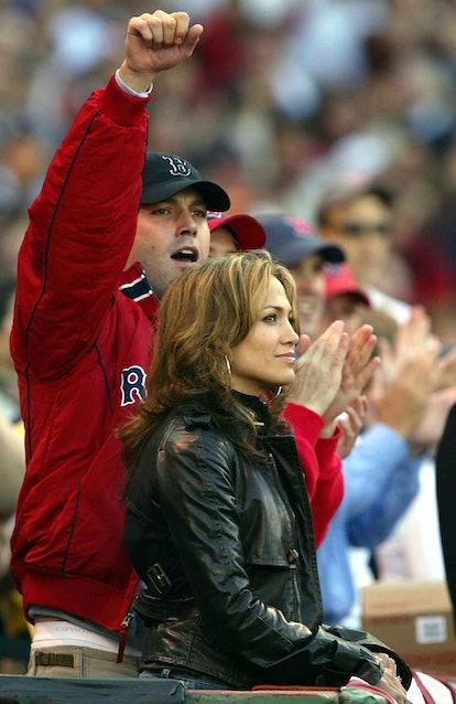 Dress as celebrity couple Jennifer Lopez and Ben Affleck for Halloween