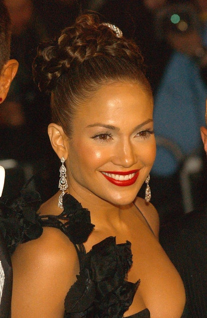 Jennifer Lopez's braided hairstyle at the 2004 Met Gala.