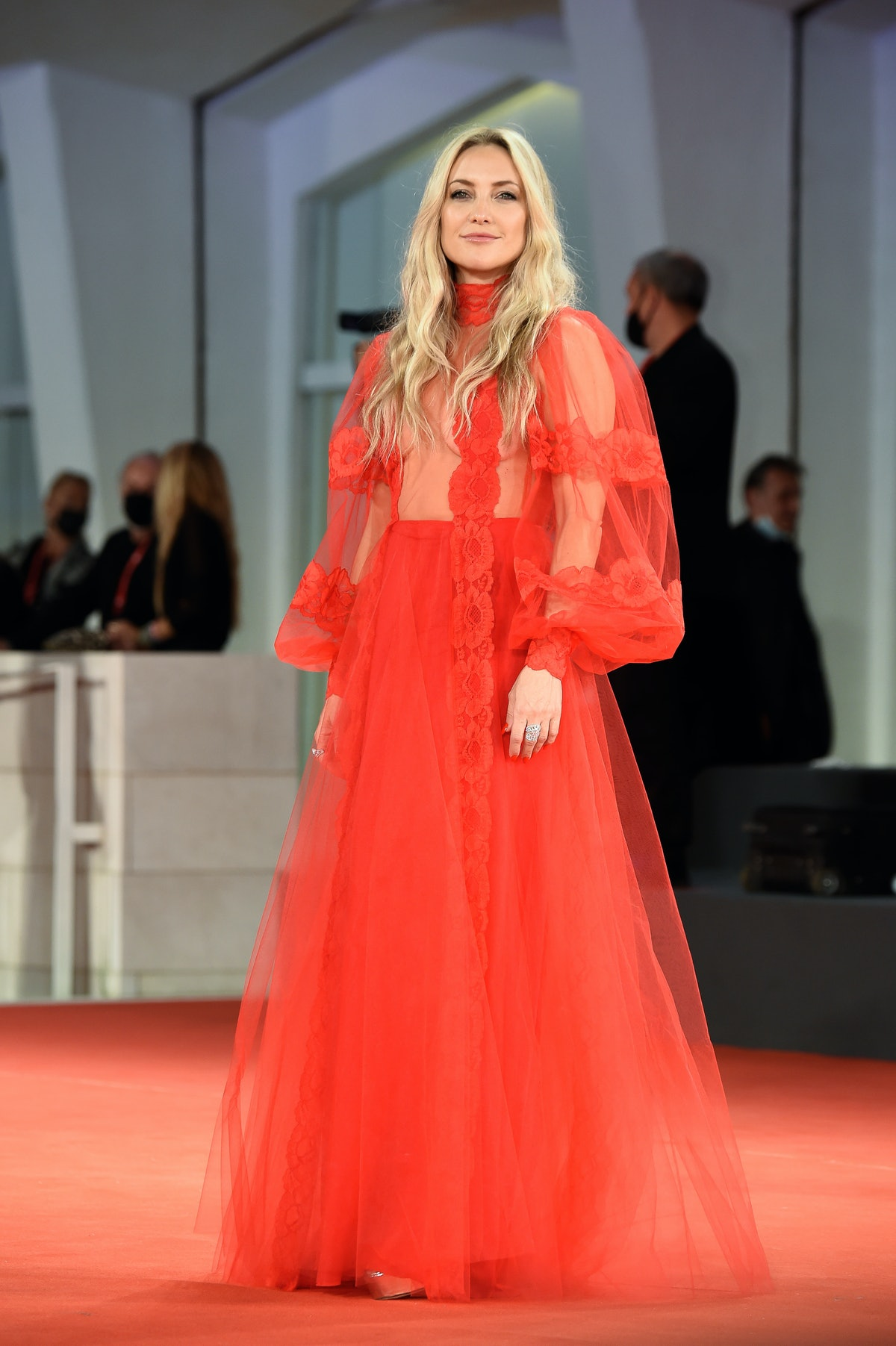 Kate Hudson at the 78 Venice International Film Festival 2021. Mona Lisa And The Blood Moonred red c...