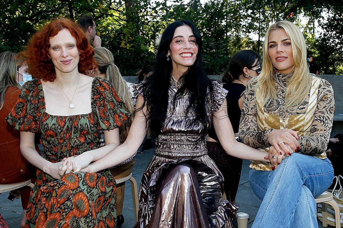 نیویورک ، نیویورک - 08 سپتامبر: (LR) کارن السون ، سارا سوفی فلیکر و مشغول فیلیپس در ...