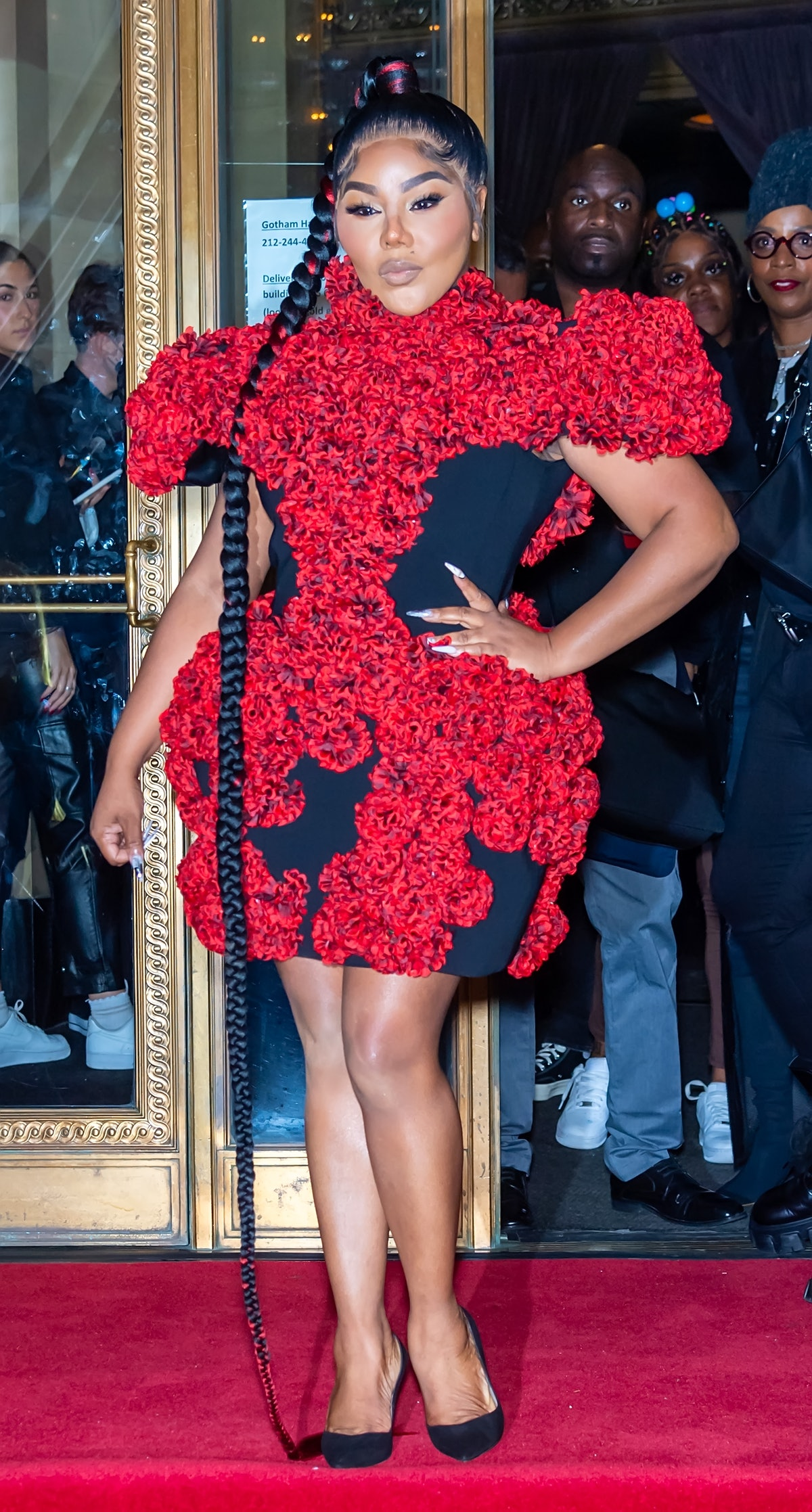 نیویورک ، نیویورک - 07 سپتامبر: خواننده رپ لیل کیم در حال خروج از کریستین سیریانو از بهار 2022 دیده می شود ...