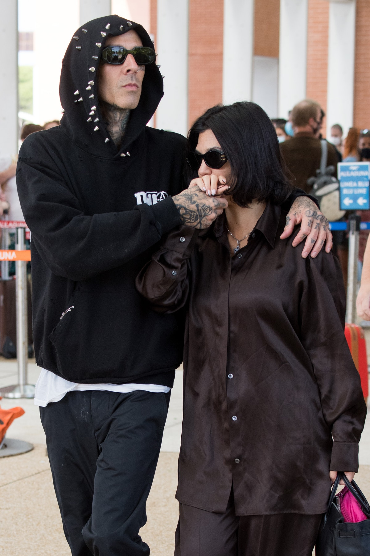 Travis Barker's quotes about flying with Kourtney Kardashian are incredibly romantic.