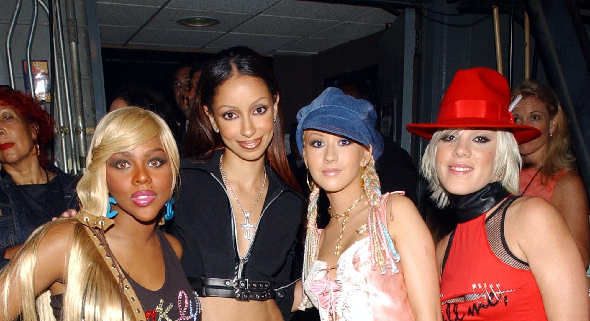 Lil Kim, Mya, Christina Aguilera, and Pink at the 2001 MTV VMAs