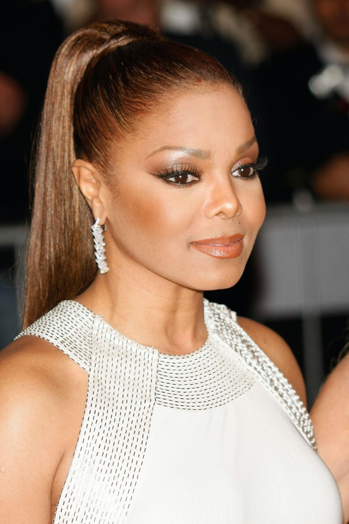 NEW YORK - MAY 5:  Singer Janet Jackson attends the Metropolitan Museum of Art Costume Institute Gal...