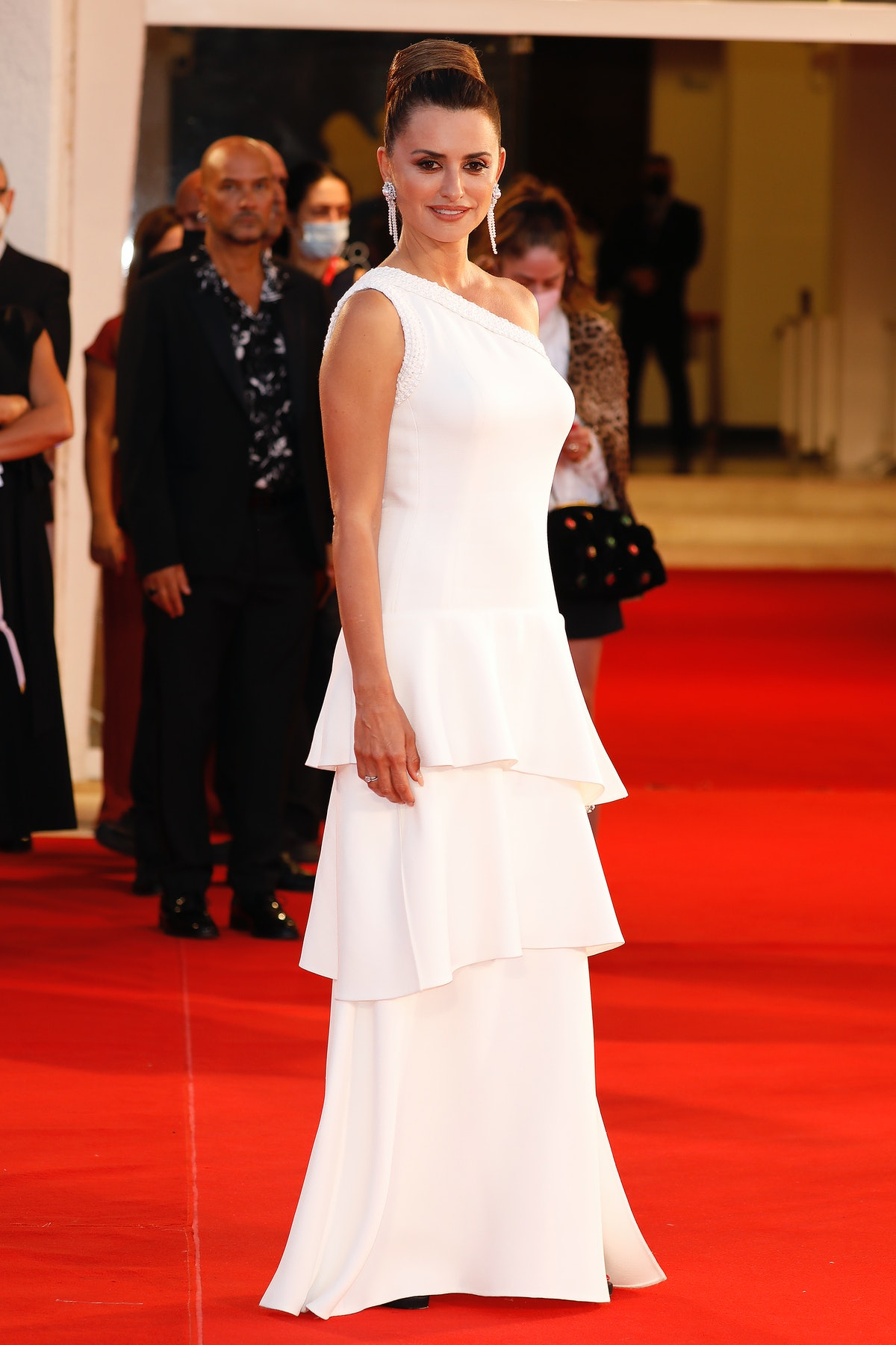 Penélope Cruz arrives on the red carpet for 'Official Competition' during the 78th Venice Internatio...