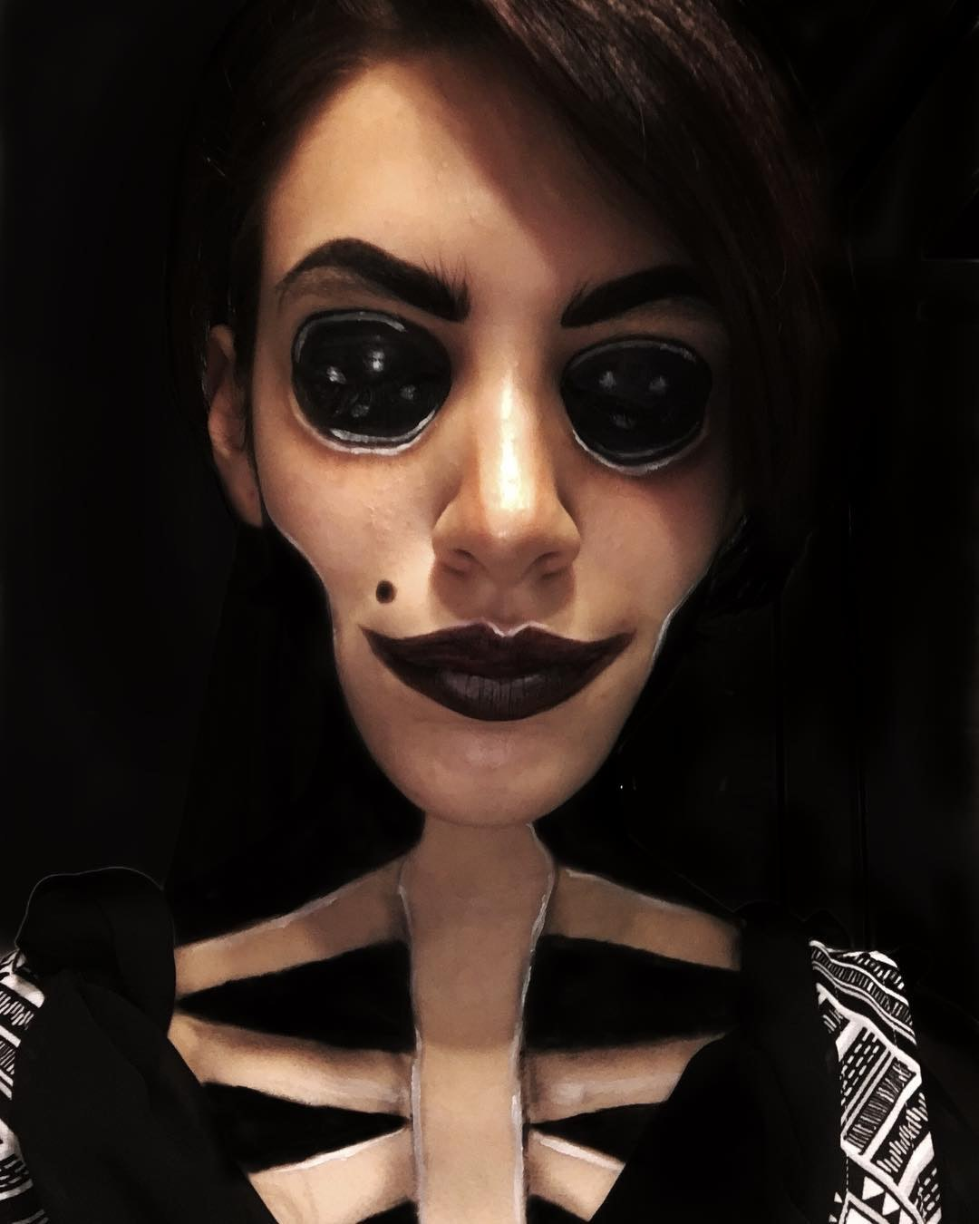 This Coraline Halloween Look Is The Stuff Dreams Nightmares Are Made Of