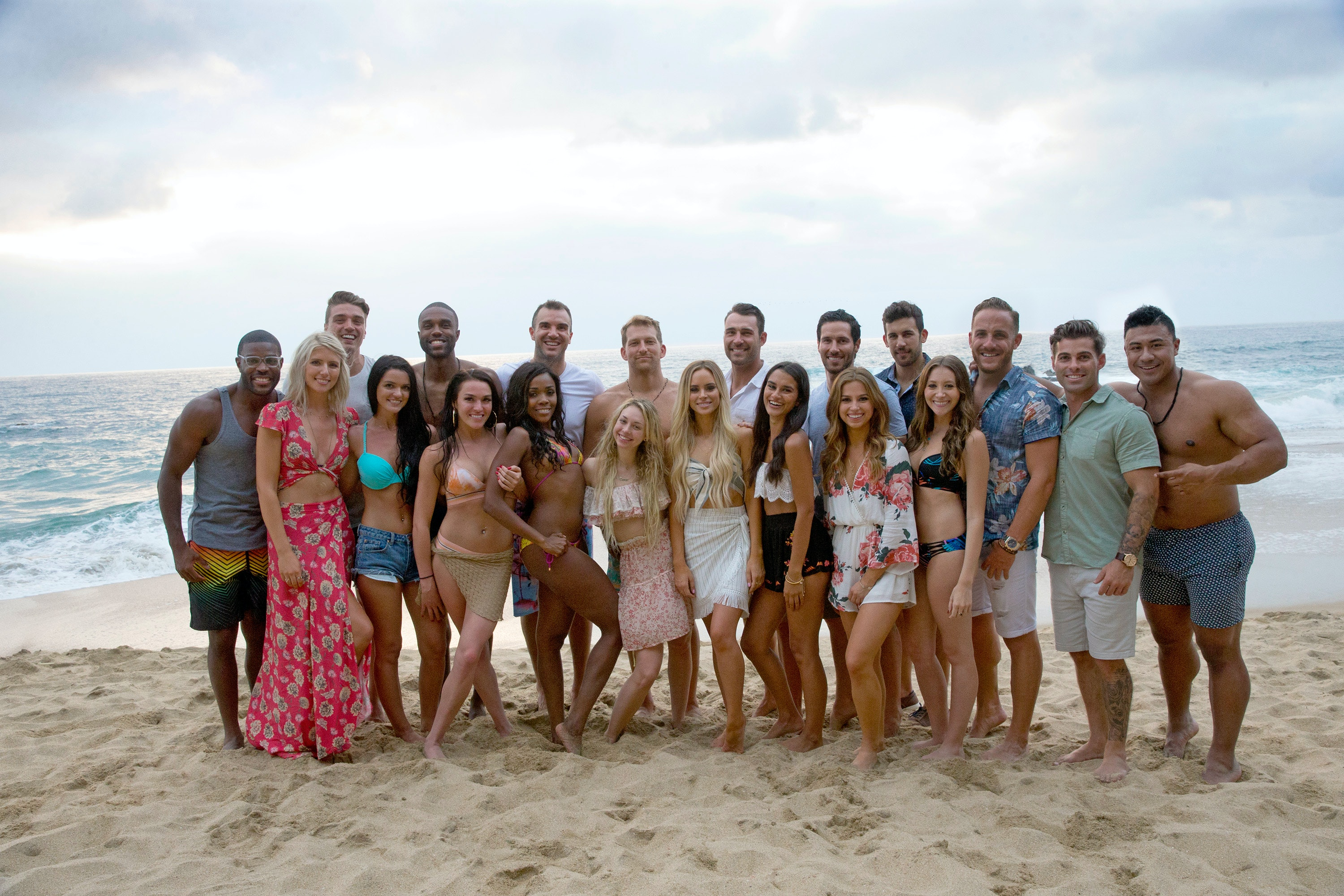 Aug 2011. Jake Pavelka and his Bachelor ex, Vienna Girardi, are still at odds, and theyre willing to do anything it takes to keep the other from winning.