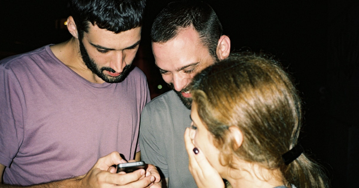 Does Double Texting Ruin A Potential Relationship? Here's