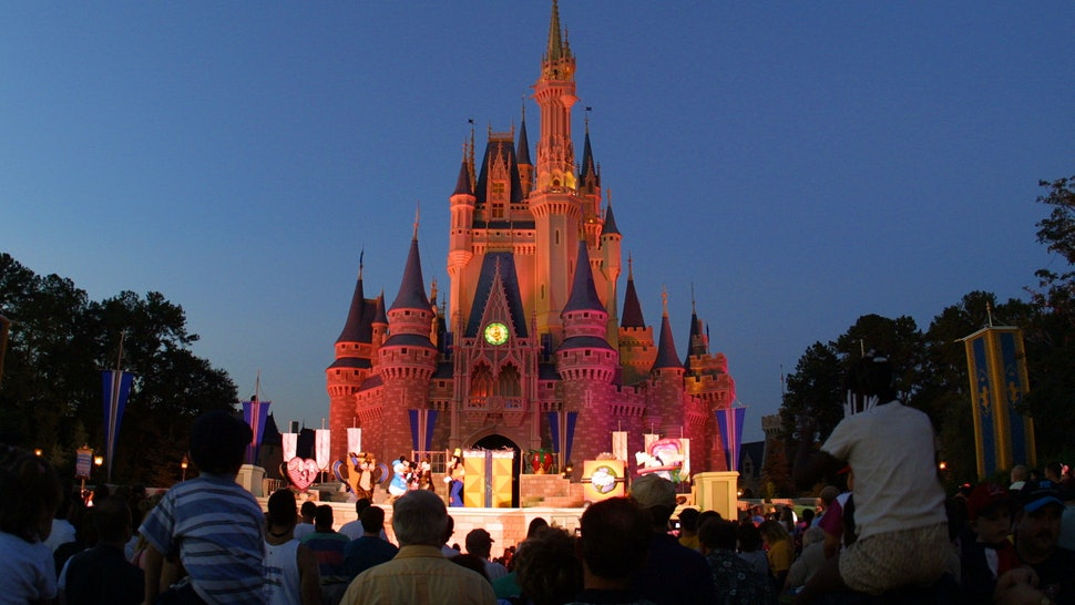 9 Ghosts That Reportedly Haunt Disney Parks, From Urban