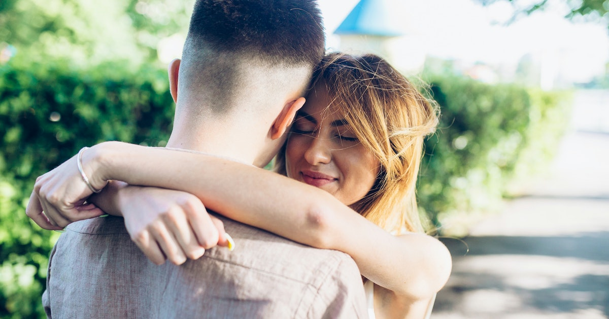 Am I Giving Too Much In My Relationship? 7 Signs You're