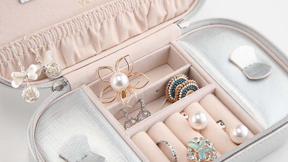 The 10 Best Travel Jewelry Organizers 31e18f0447