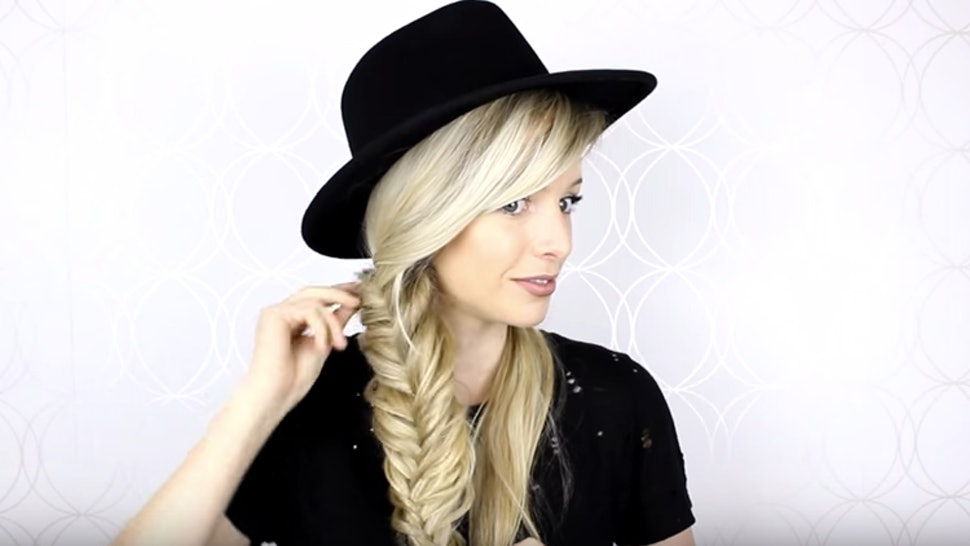 5e5c622b572 9 Hairstyles That Look Great Under A Winter Hat