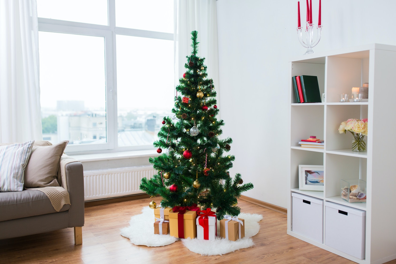 7 Real-Looking Christmas Trees