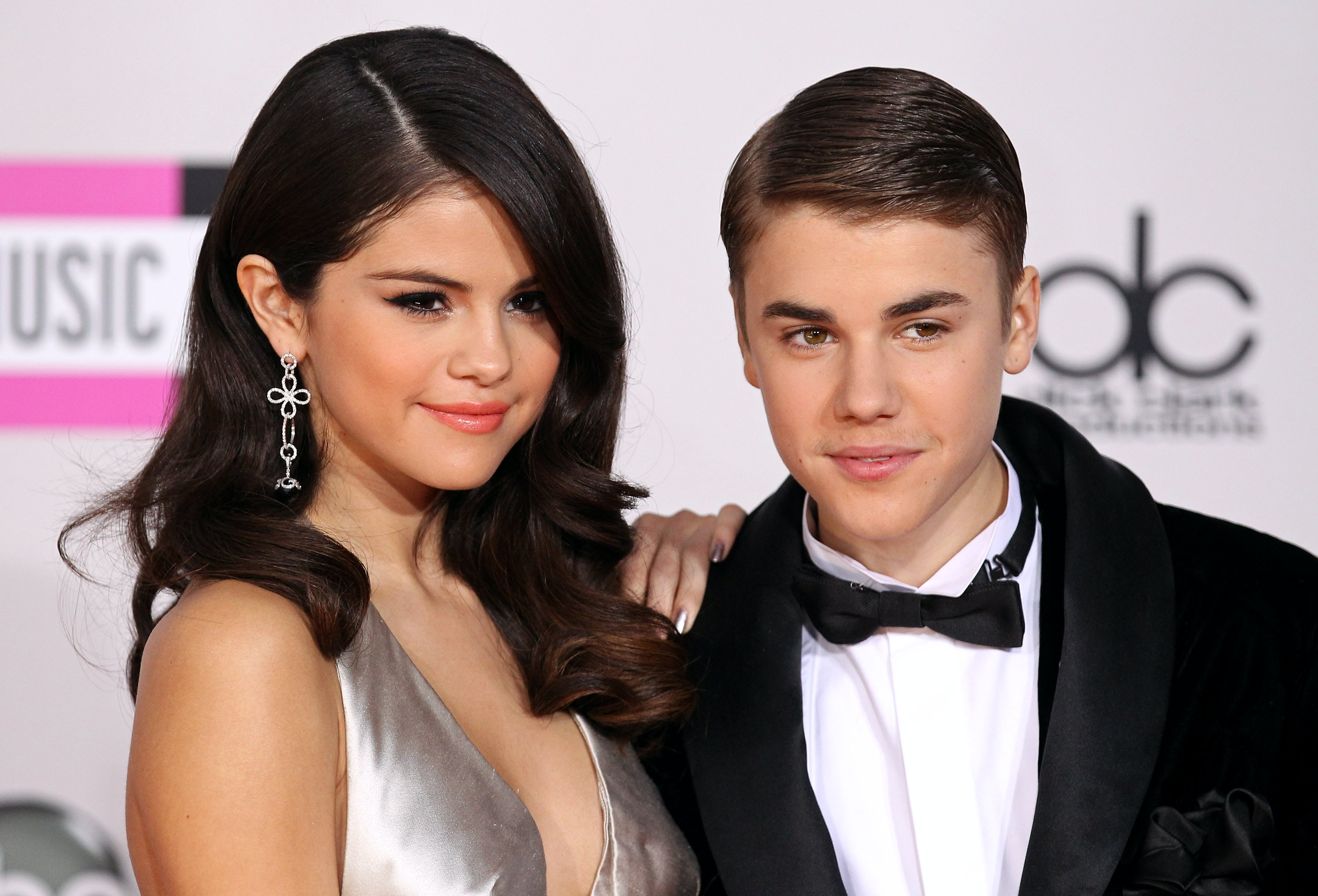 Selena gomez and justin bieber dating proof