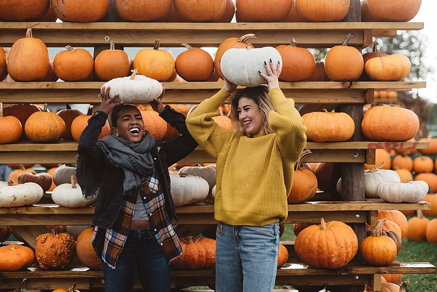 6 Punny Halloween Costume Ideas For Best Friends Who Love A Good Knee  Slapper