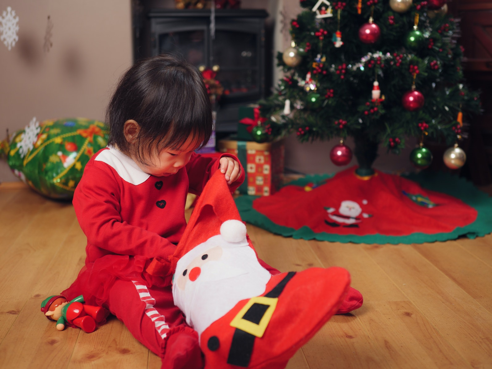 How Many Gifts Should Your Children Get At Christmas? These ...