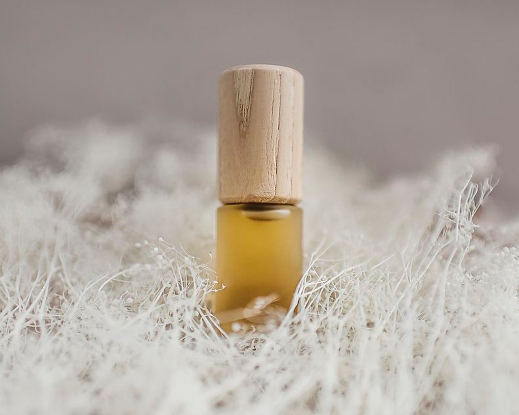 6 Essential Oils For Colds That Ll Clear Up Your Sinuses Soothe
