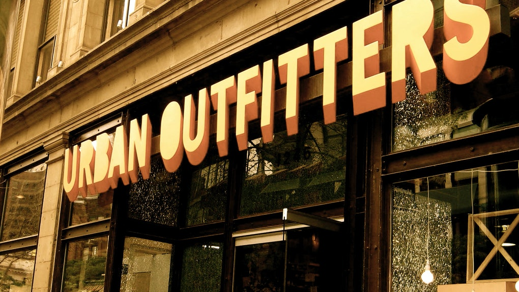 Urban Outfitters 2017 Black Friday Deals Are Here   You re Going To Want To  Kiss The Store 019426fc8