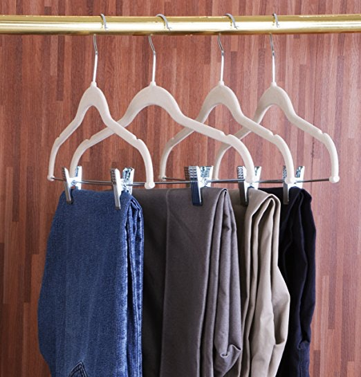 High Quality 3Velvet Hangers With Metal Clips To Hang Entire Outfits Together
