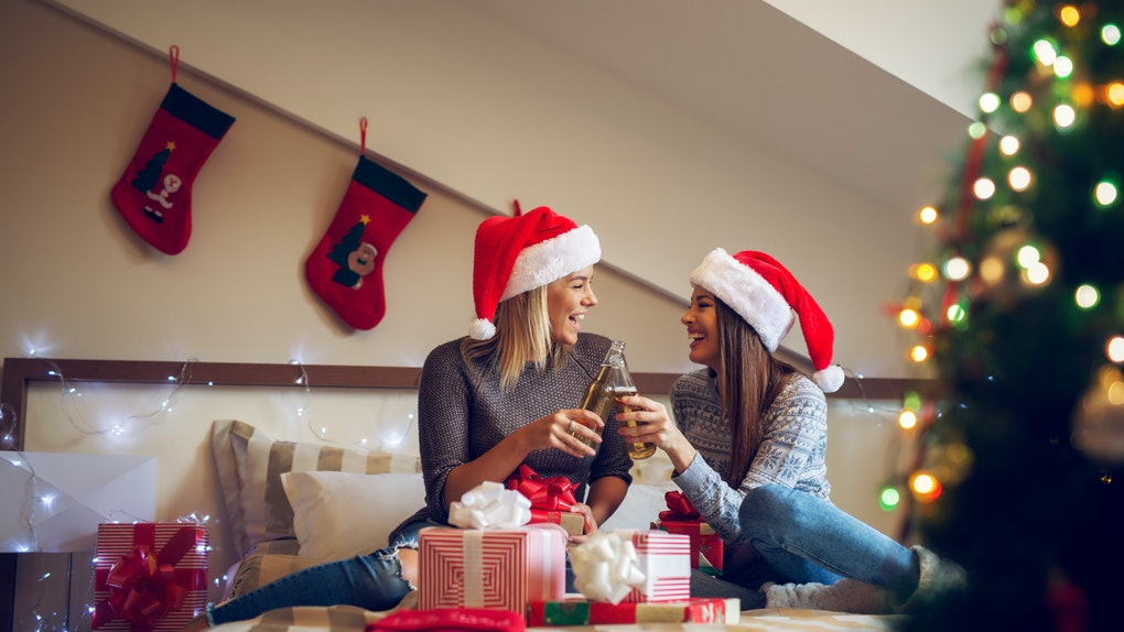 8 Things To Do On Christmas With Your Best Friend That'll Bring On The  Holiday Cheer