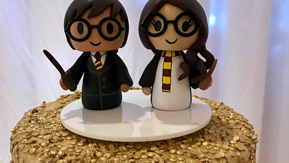 Harry Potter Wedding Cake.20 Harry Potter Inspired Wedding Accessories You Can Buy On Etsy