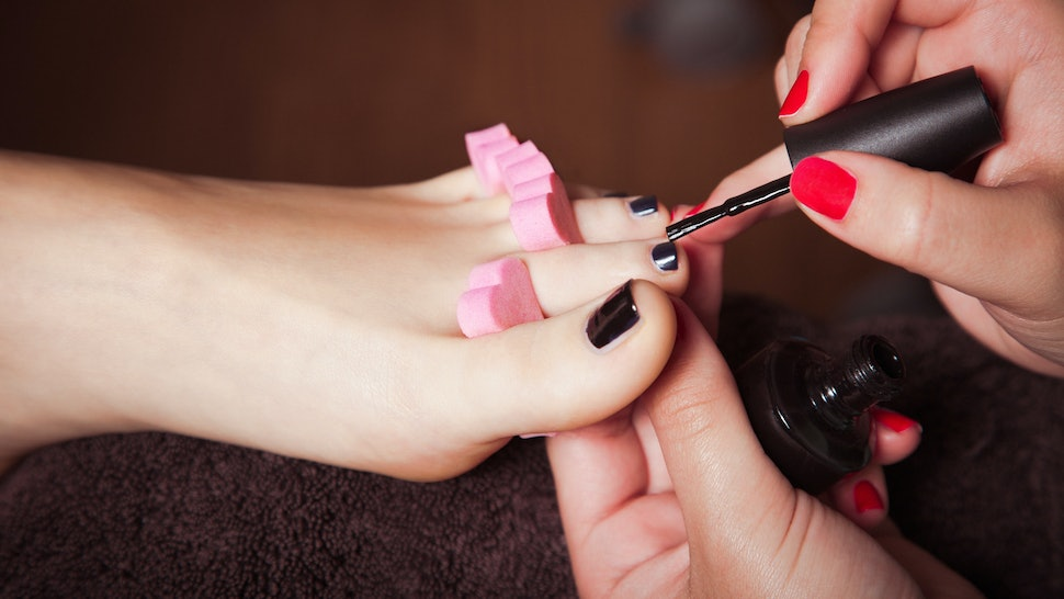 7 Ways To Know If There's Fungus In Your Nails