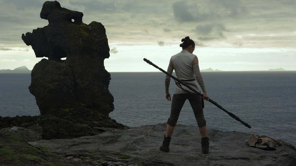 Every 'The Last Jedi' Clue About Rey's Parents, Explained