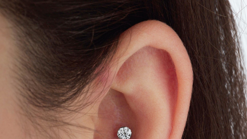 379f6cc22 The 2018 Ear Piercing Trend Everyone Will Be Eager To Get