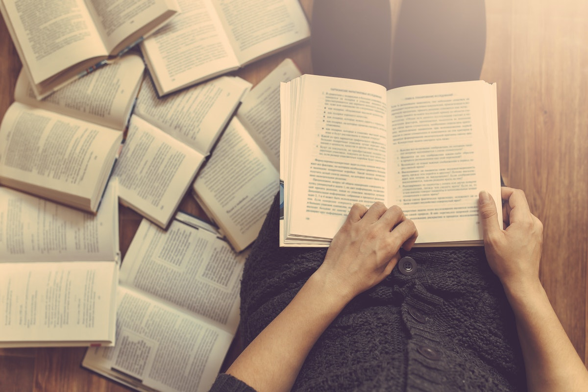 25 Totally Mind-Blowing Books Skyrocketing In Popularity