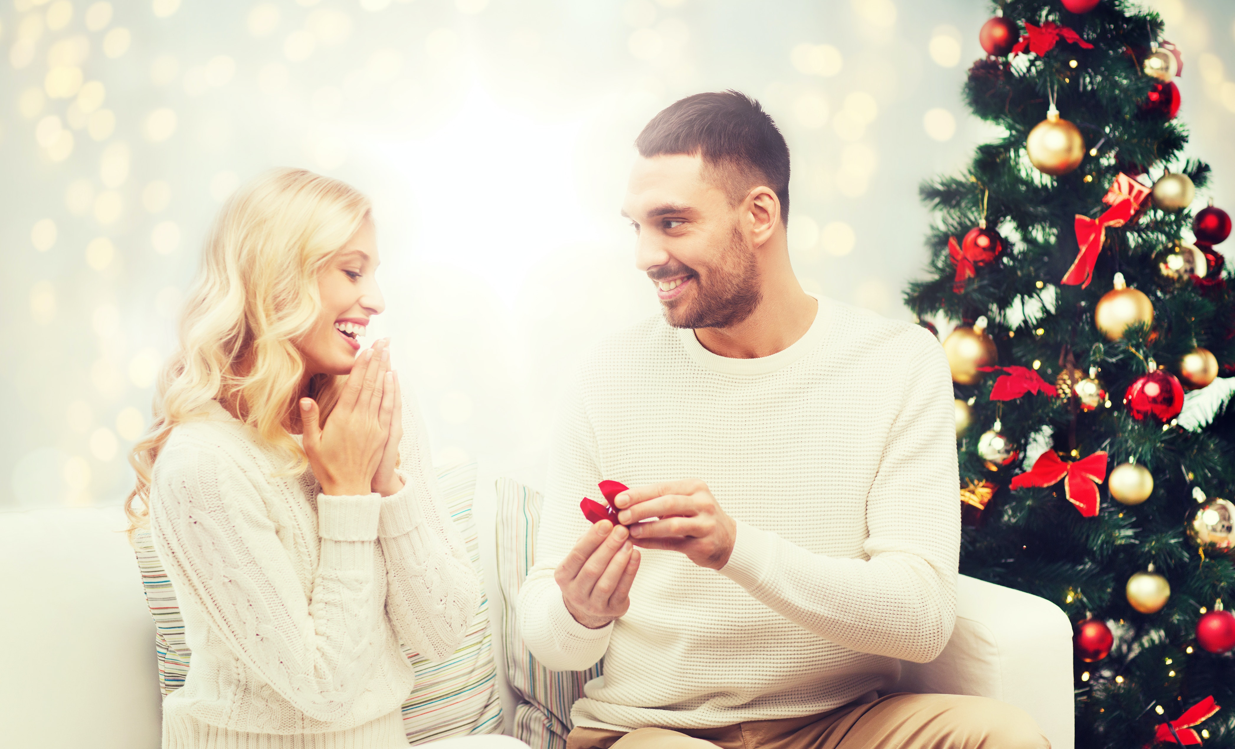 18 Instagram Captions For Christmas Engagement Ring That Are Too ...