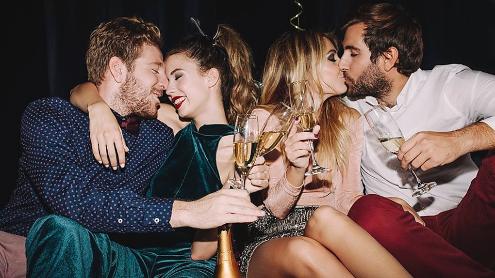 These Cute New Year's Kiss Stories Will Make You So Excited
