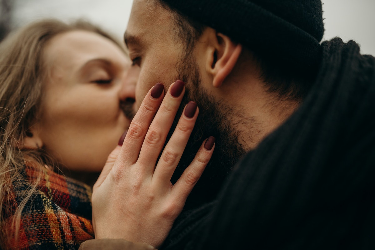 9 Ways To Make Your Partner Feel Loved, Without Saying A Thing