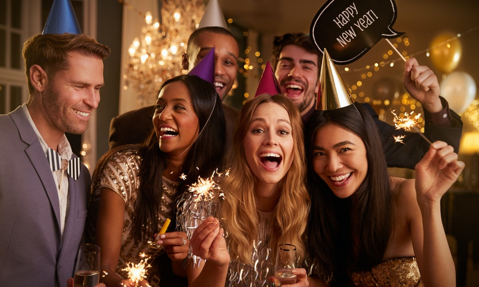 7 New Year\'s Eve 2017 Party Ideas That Are Proof Staying Home Can Be ...