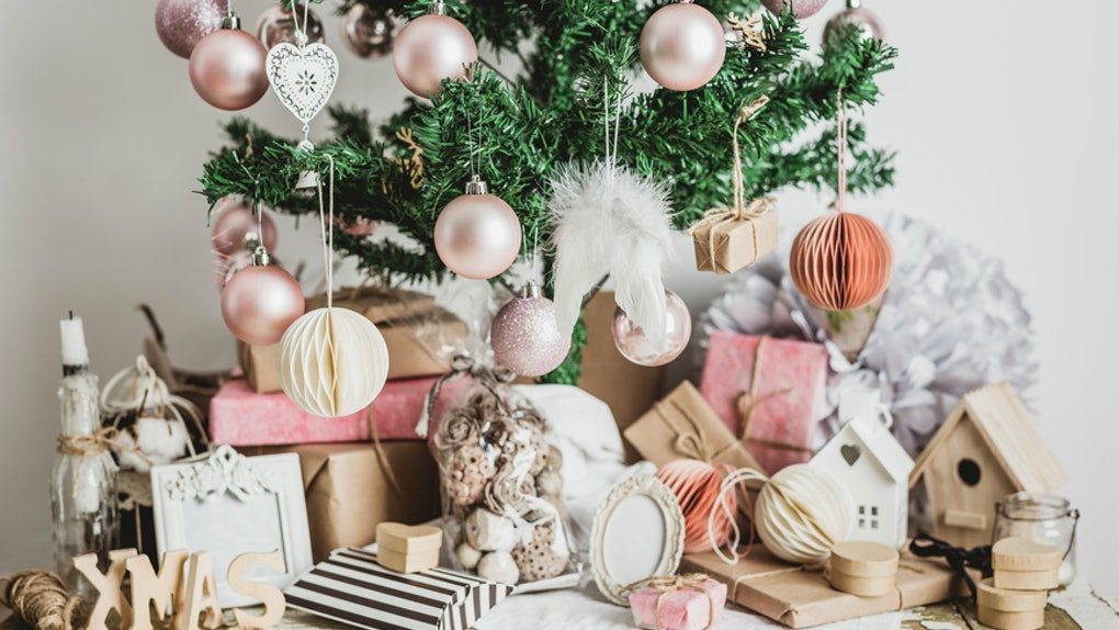 Christmas Decorations.6 Rose Gold Christmas Decorations You Ll Be Totally Obsessed