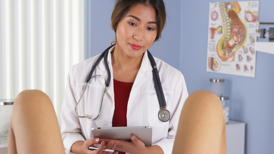 8 things your gynecologist wishes you d stop doing before your visits