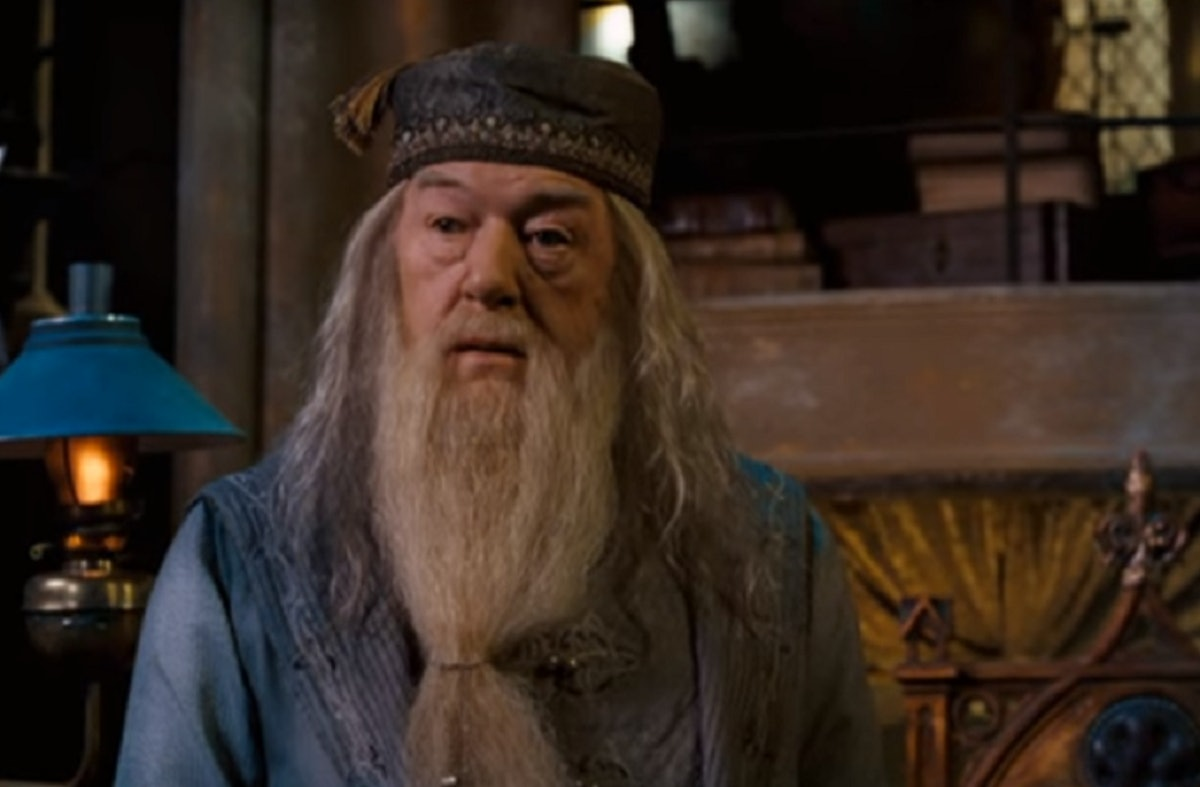 A New Dumbledore Photo From 'Fantastic Beasts 2' Will Get You Excited About The Sequel
