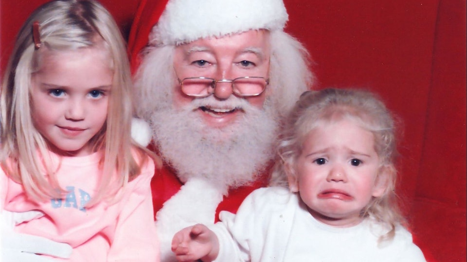 30 Funny Photos Of Kids Sitting On Santa\'s Lap Over The Years, From ...