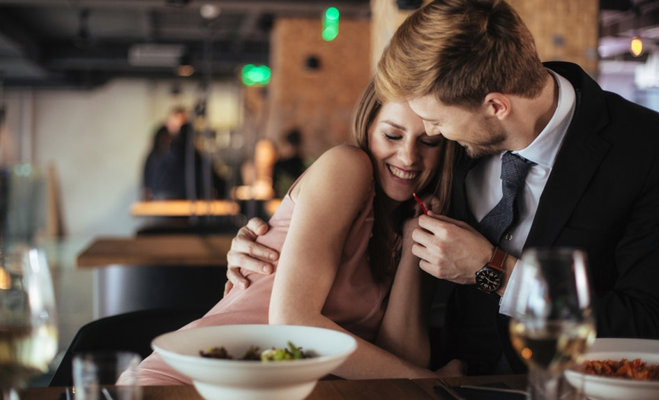 signs of a girl wanting to hook up proper dating age range