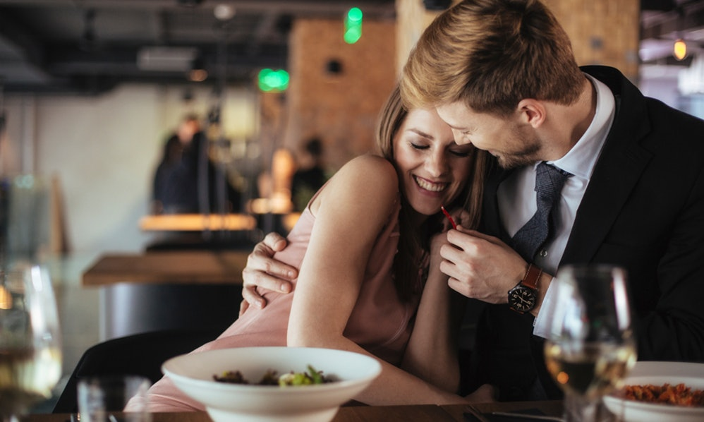 3 Signs They Just Want To Hook Up That You Can Spot From The First Few Dates