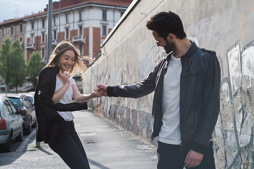 Romantic dating gestures