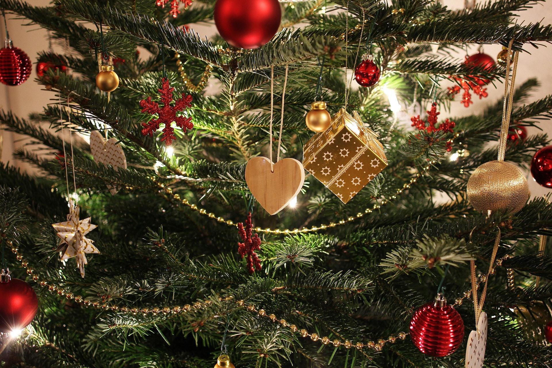 9 Religious Christmas Facebook Caption Ideas To Capture The ...
