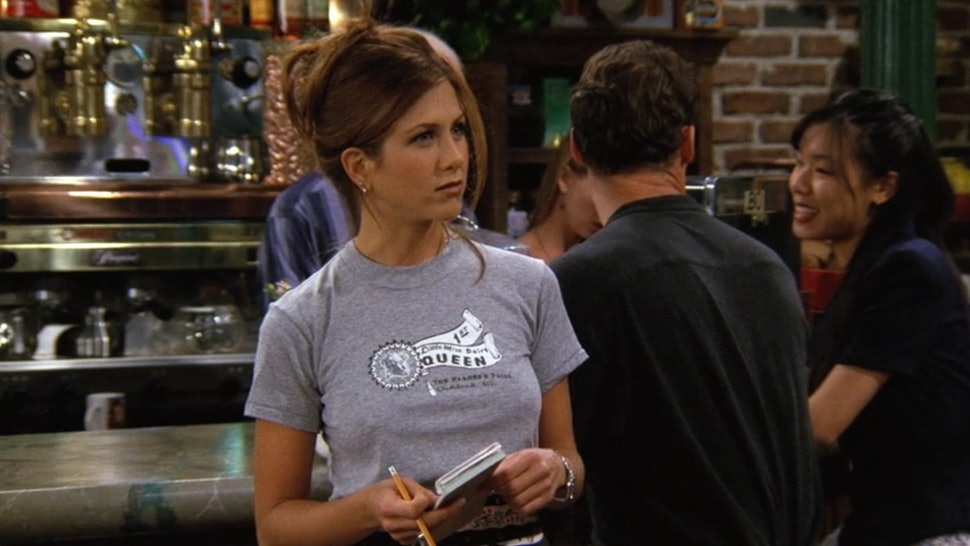 1cca306141cf4b 25 Rachel Green Outfits From 'Friends' That Are Totally Back In Style Today  — PHOTOS