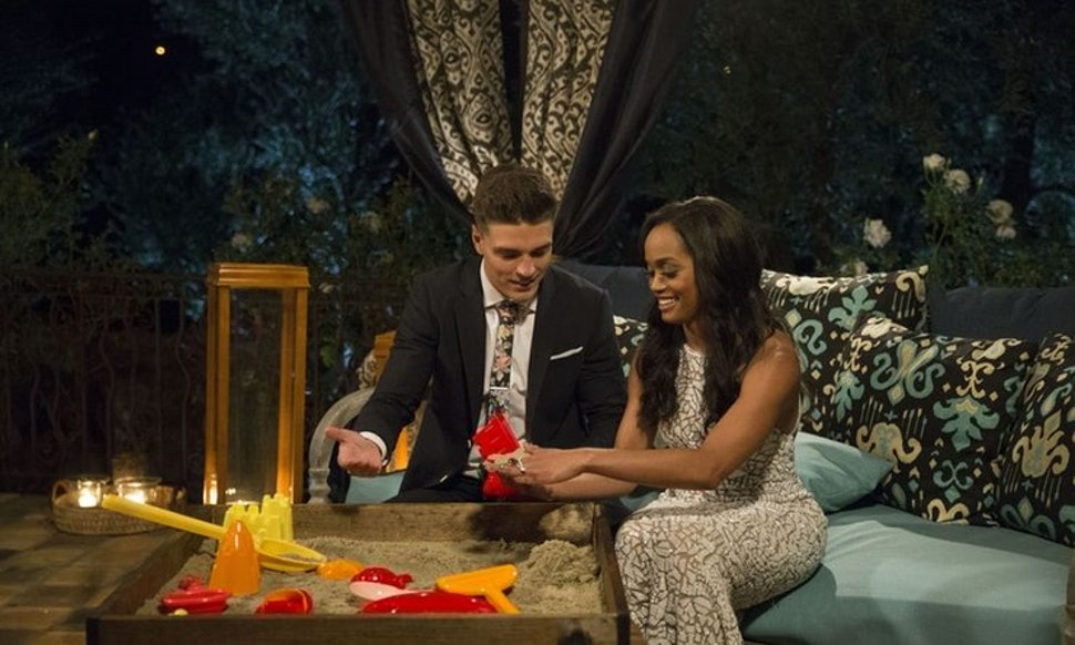 Jan 2018. The Bachelor alums Dean Unglert and Lesley Murphy are reportedly dating.