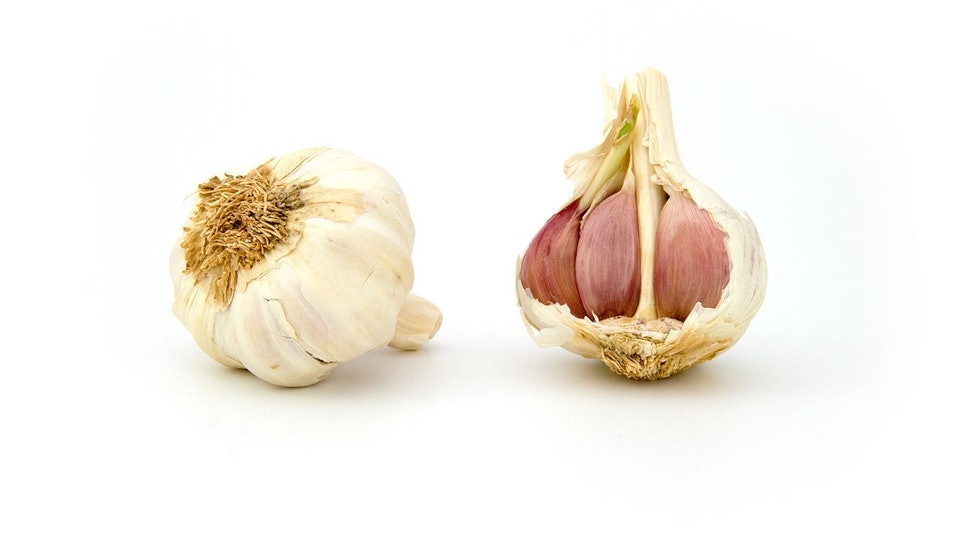 Why Does My Vagina Smell Like Garlic? At Least It Can Keep