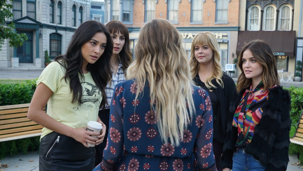 When did aria hook up with jason