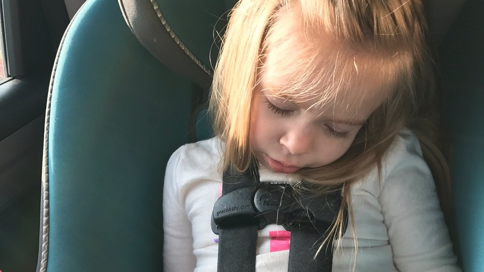 How To Keep Your Toddlers Head From Slumping Forward In Car Seat Because That Doesnt Look Safe