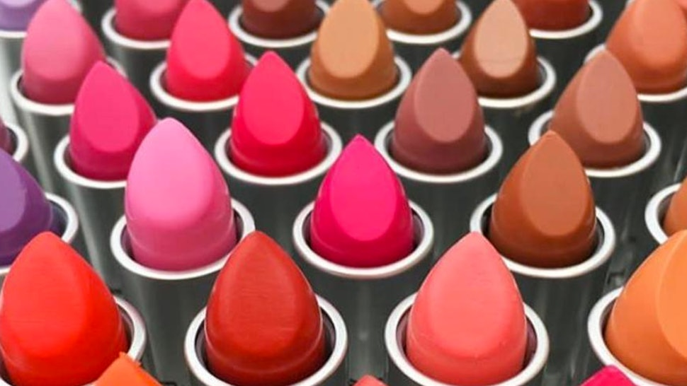 How To Get Free MAC Lipstick On National Lipstick Day