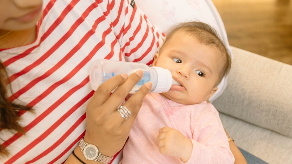 What Happens If You Give Your Baby Spoiled Breast Milk? Lactation