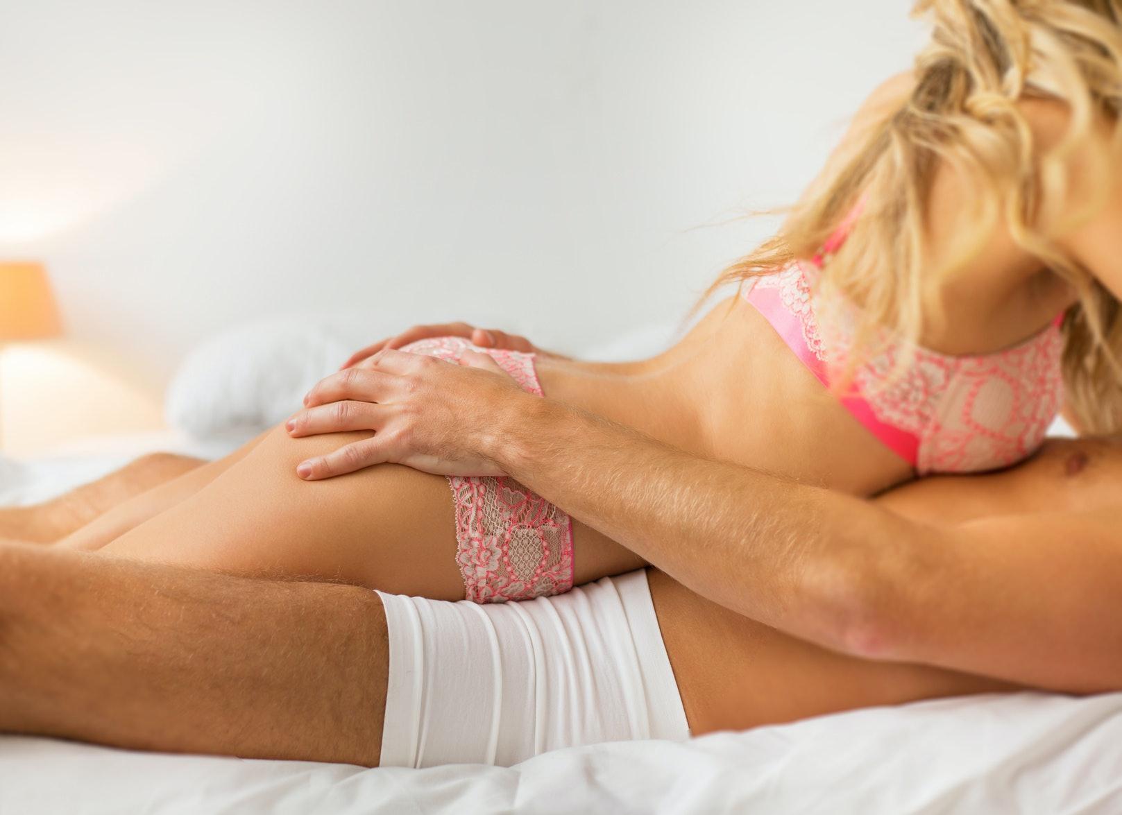 Full nude neighbor girl